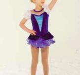 Söt prinsessklänning i blått och vitt