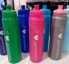 Vattenflaska i plast för gymnaster