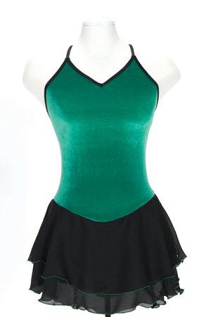 Klänning i svart och grönt med vackert flätmönster på ryggen