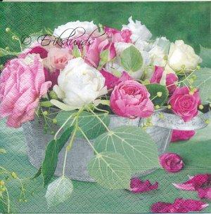 Vita och rosa rosor  8189