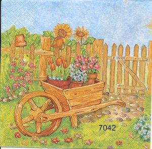 Skottkärra i trädgård   se7042