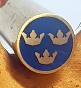 Mosaikpin 3 Tre kronor gul-blå 8 mm - Mässing