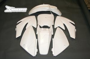 Kåpset CRF70 vit