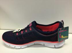 """Skechers-sko mörkblå/cerise, utan snörning (resår) innersula """"Memory Foam"""" och  Air Cooled."""