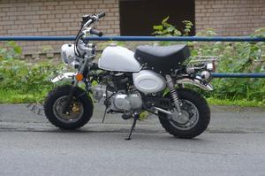 Replika Monkeybike 125cc Vit