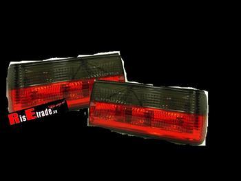 Baklysen klarglas rödsvarta Sedan 87-, cab 90-