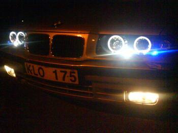 BMW 325 sedan från Ursviken