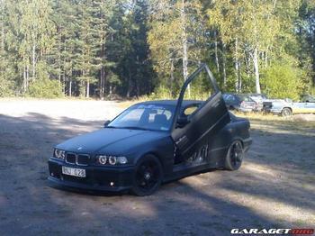 BMW 320 sedan. Kristinehamn