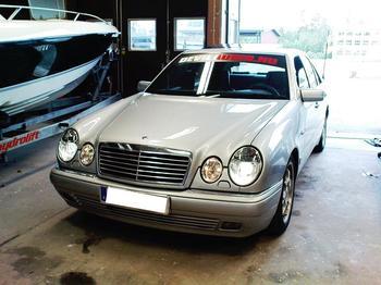 Mercedes Benz 320 E-klasse. Kristinehamn