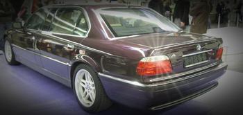 Rödvita baklampor till 7er BMW E38