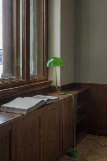 Zero-Curve-nationalmuseum-bordslampa-Long