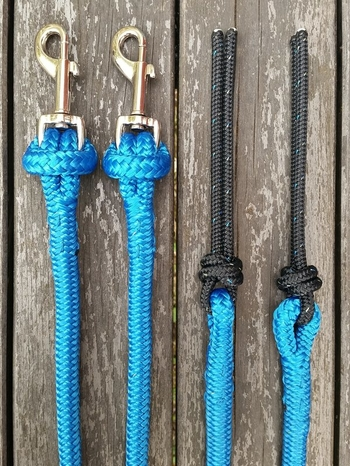 Split reins with removable snaps and rope poppers