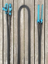 Split reins with rope connectors and rope poppers