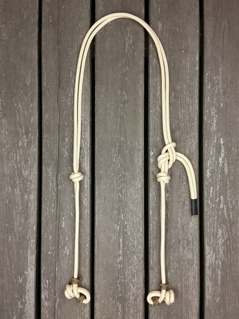 Headstall with rope halter tying