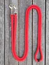 Loop reins with permanent bolt snaps and middle marker - 10 mm, 2,60 m, Red
