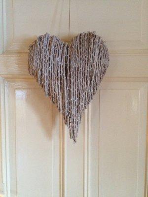 Hjärta gjord av kvistar från Edelweis