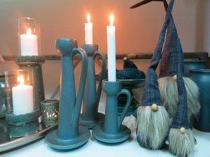 Ljusstake i keramik petrolgrön hög, från Ditt& Mitt