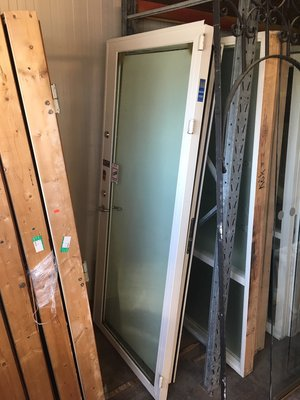 Glasad ståldörr