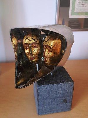 Janus Head Small Gold - Kosta Boda Limited