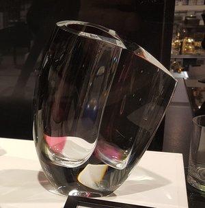 Mirage Vas Grå/Röd Stor - Kosta Boda