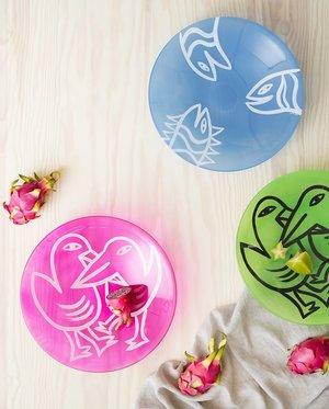 Final Peace Plate Birds Pink  - Kosta Boda