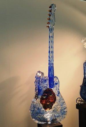 Gitarr med huvud Blå - Kosta Boda Unikat