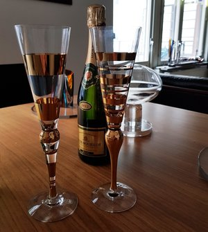 Clown Gold Champagne Glass 2-pack - Orrefors
