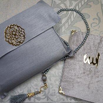 Gåvoset med Yasin Koran, bönematta och radband