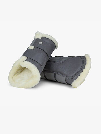 Brushing Boots, Anthracite