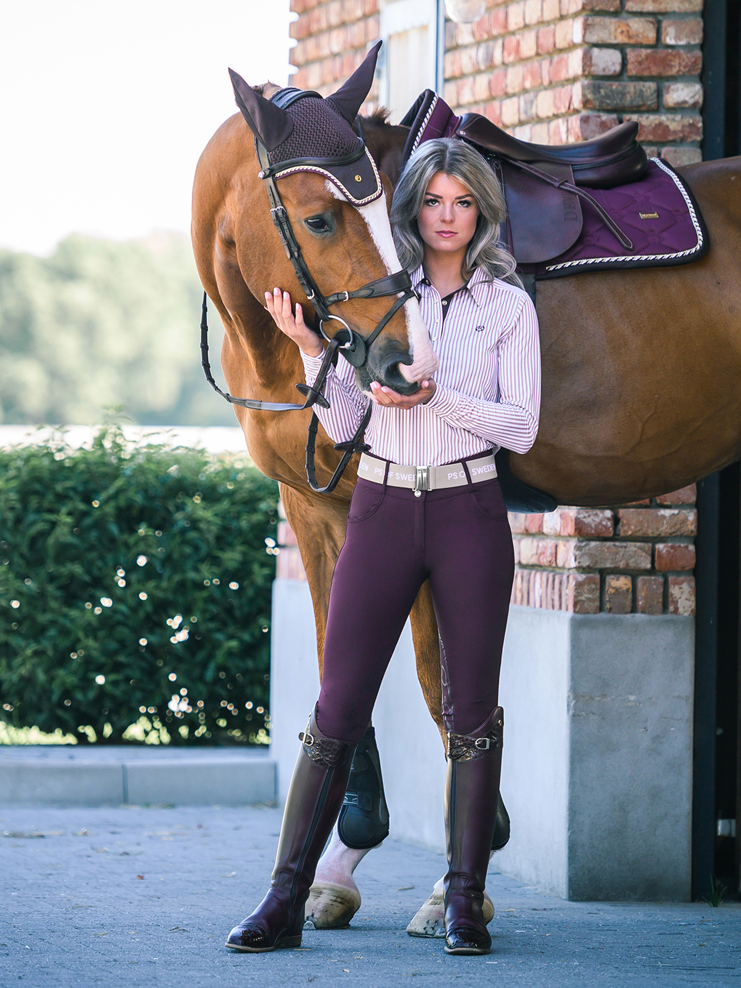 Jump Saddle Pad Size Full Anatomically Shaped In A Burgundy Color