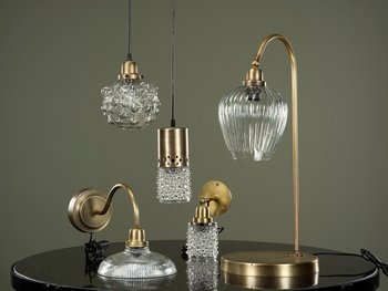 Vägglampa Isa - antikbehandlad mässing/glas