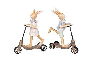 Kaninpojke på sparkcykel