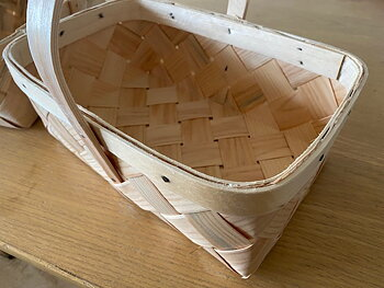 Liten spånkorg 32x22 cm för picknick, bär och svamp