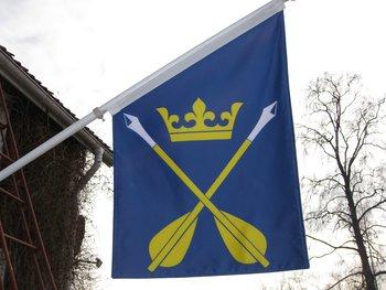 "Fassadenflagge - Dalarnas Landschaftswappen ""Dalpilarna"""