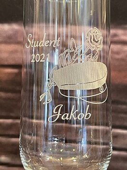 Champagne glasses for the graduation (Engraving included)