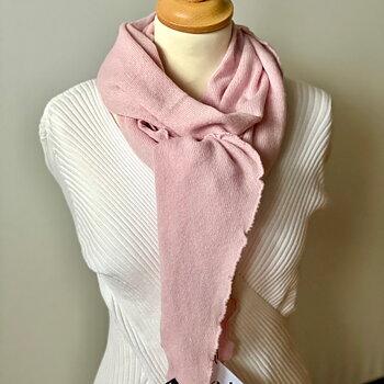 Matilde stickad scarf från KN Collection, Ljusrosa