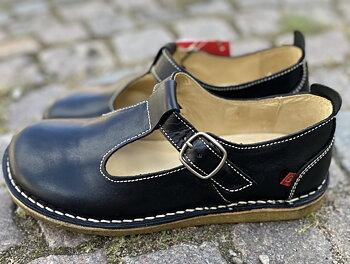 Bred sko från Grünbein , modell Paula, svart