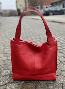Stor Italiensk skinnväska 40x36x10, röd