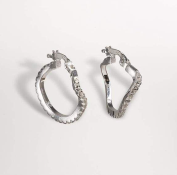 Distorted Hopps earrings silver small