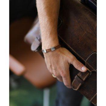 """Brunt läderarmband med gravyr """"älskad man"""", 8mm, 16-21,5cm"""