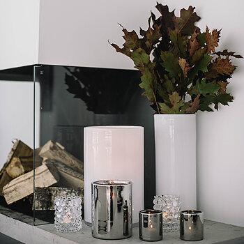 HURRICANE LILY, White Vase