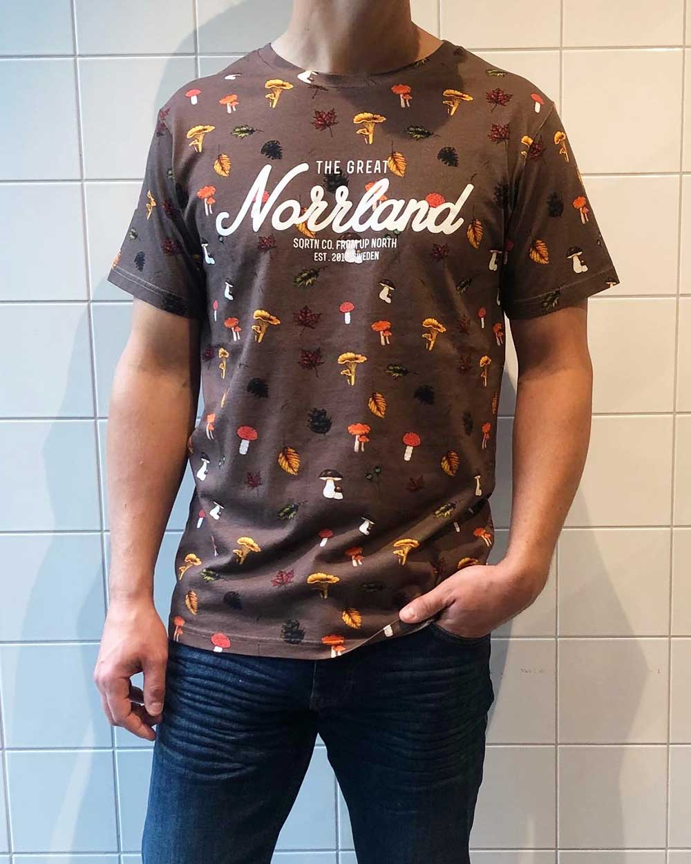 The Great Norrland Shroom Brun T shirt SQRTN Local Store