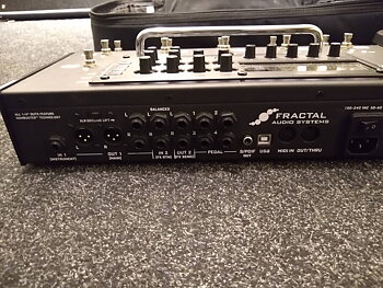 Fractal Audio AX8 + EV1  (begagnat)
