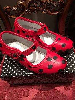 Flamencoskor prick röda, Pris i butik: 289:-