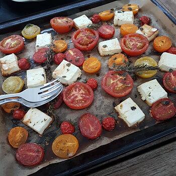 Ugnsbakade tomater och fetaost