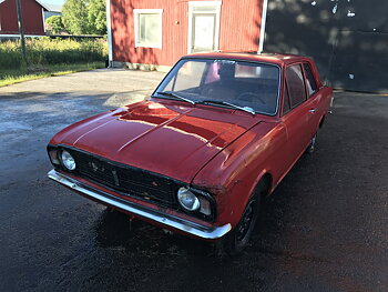 Ford Cortina - Spare part car (parts for sale)