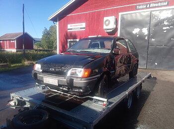 Ford Fiesta - Purkuauto (myydään osina)
