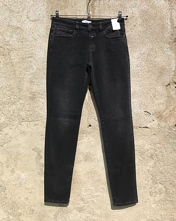 Baker Long dark grey jeans från Closed