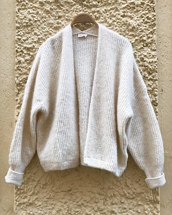 Cardigan East White from American Vintage