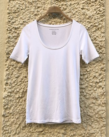 T-shirt with u-neck White from Majestic Filatures